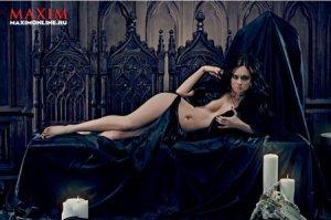 Актриса сериала «Универ» Самбурская Настя сфотографировалась для журнала «Максим»