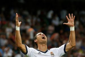 Мадридский «Реал» завоевывает первый трофей нового футбольного сезона