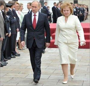 Чета Путиных уже не живет вместе: президент России сообщил о разводе