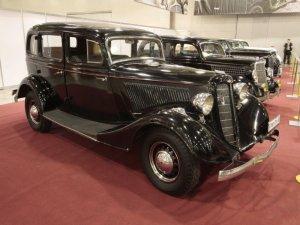 Уникальные автомобили ГАЗ выставлены на выставке в ГУМе