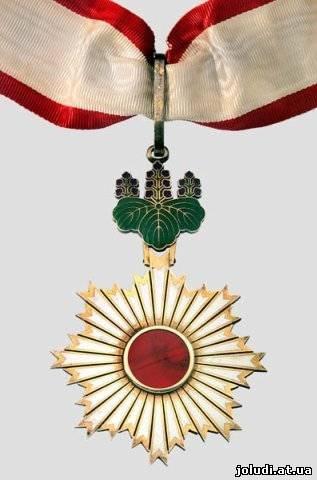 Трое россиян удостоились высших государственных наград из рук японского императора