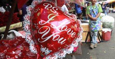 На День влюбленных покойный муж прислал жене букет цветов