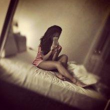 Певица шоу-бизнеса Нюша показала свое фото в постели