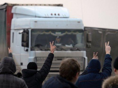 Протест дальнобойщиков: вынужденная акция или очередная политическая игра Москвичева?