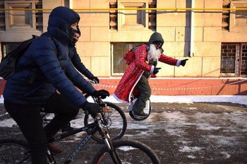 Как в Москве прошёл зимний велопарад