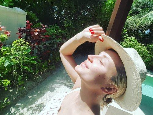 «Полина! Не прячьте животик!» - Гагарина выложила фото в купальнике