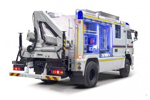 Компания «Специальная техника пожаротушения» показала возможности автотранспортного средства первой помощи