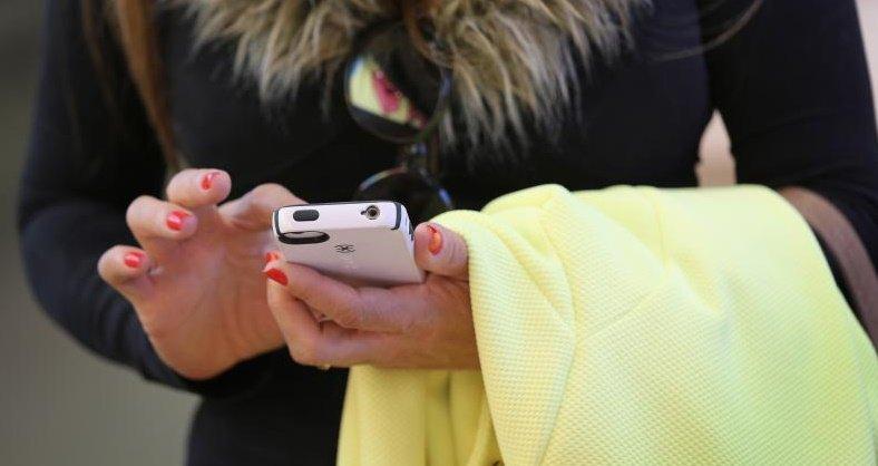 ФАС согласилась  смобильными операторами о уменьшении  цен нароуминг внутри РФ
