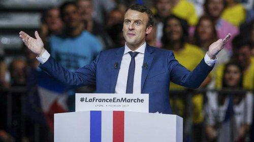Эммануэль Макрон собирает тысячи французов на предвыборных митингах
