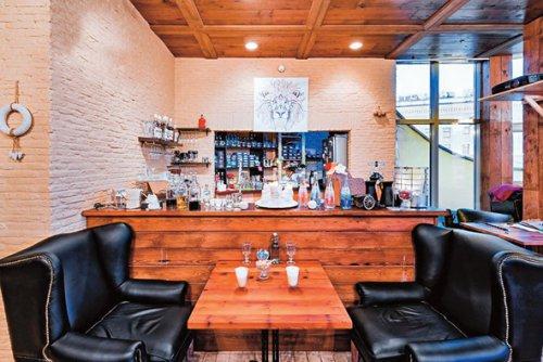 Сын Валерии втайне от родителей открыл ресторан