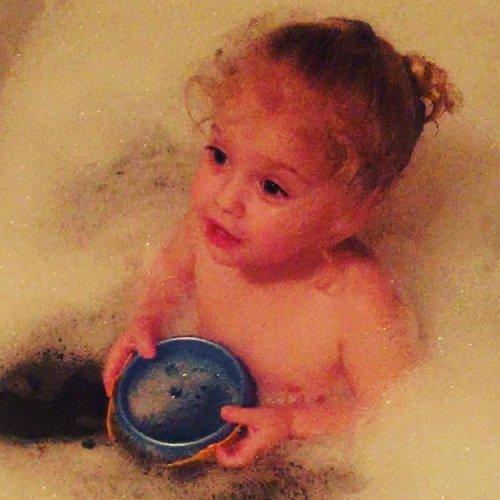 Пугачева засветила дочку в ванной