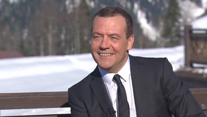 ФБК неустроил ответ Медведева нарасследование «Онвам неДимон»