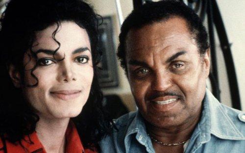 Врач Майкла Джексона раскрыл страшный секрет удивительного голоса певца