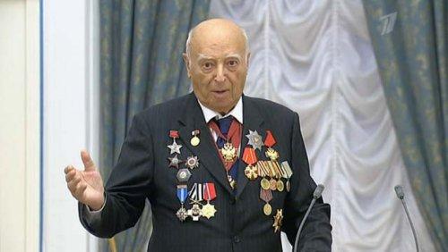 Утром 9 марта умер Владимир Этуш