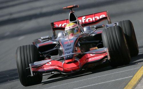 Льюис Хэмилтон стал победителем 17-го этапа Формулы-1