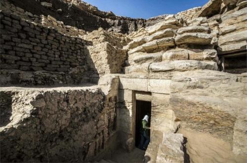 В Египте нашли нетронутую гробницу в возрасте 4400 лет
